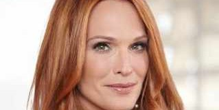 Why Blonde Actress Molly Sims Goes Redhead
