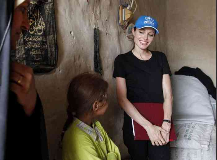 Goodwill Ambassador Jolie told the displaced families she met that she hopes to find them living under better circumstances the next time she visits. UNHCR / B.Heger
