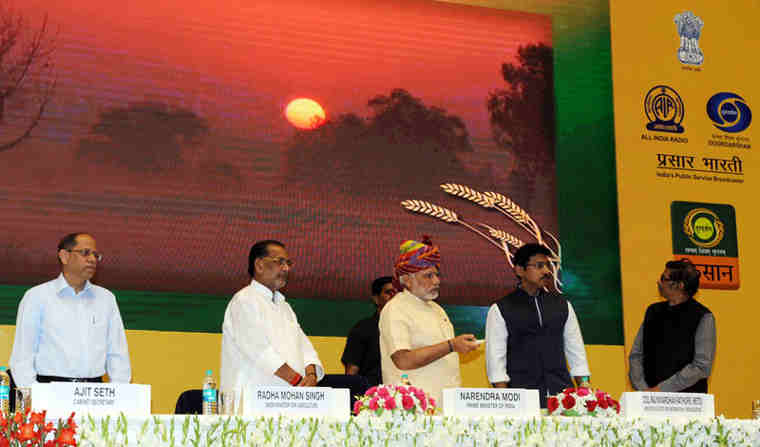 Narendra Modi launching the DD Kisan Channel, in New Delhi on May 26, 2015