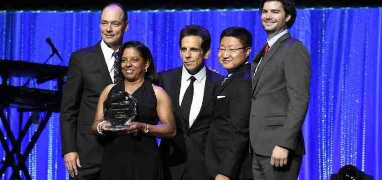 Samsung honors brad pitt s make it right foundation rmn for Make it right foundation