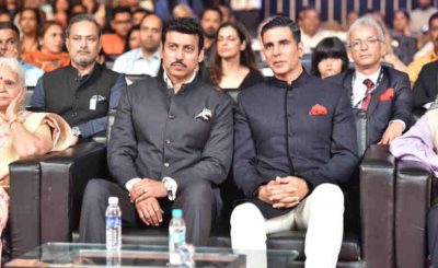 Indian minister Rajyavardhan Rathore and Bollywood actor Akshay Kumar at International Film Festival of India. Photo: PIB
