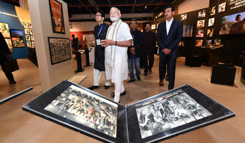 Narendra Modi and dignitaries during inauguration of National Museum of Indian Cinema in Mumbai on January 19, 2019