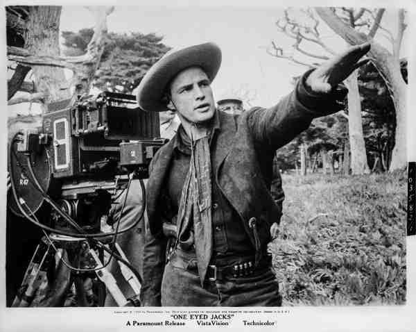 Marlon Brando directing One-Eyed Jacks.